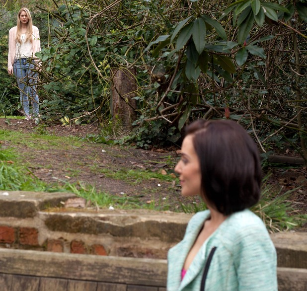 Hollyoaks, Hollyo follows Cindy, Fri 27 Jun