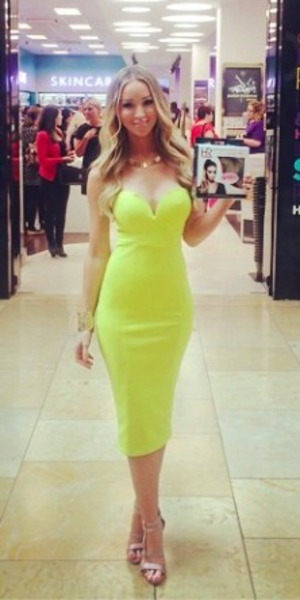 Lauren Pope rocks lime green dress at launch of new hair brand, 4 July 2014