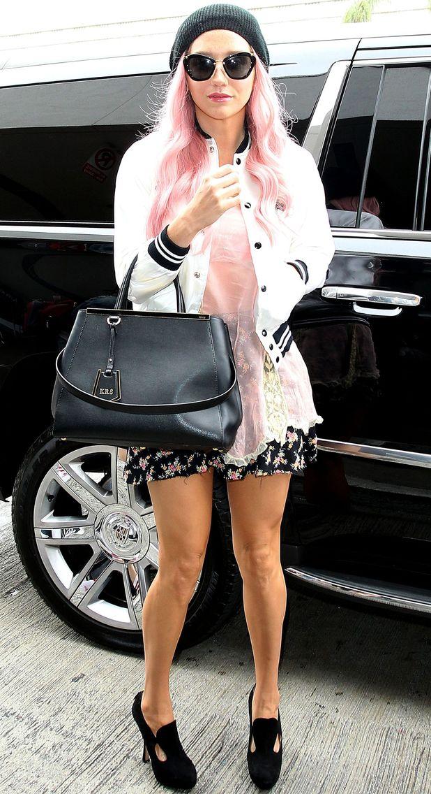 Kesha, LAX aiport, LA, 30 June