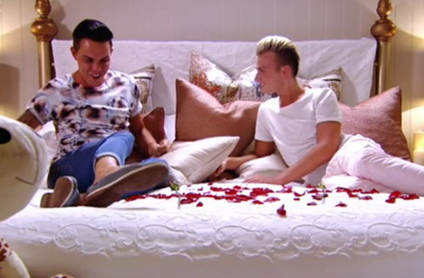 TOWIE's Harry Derbidge and Bobby Norris get back together - 7 June 2014