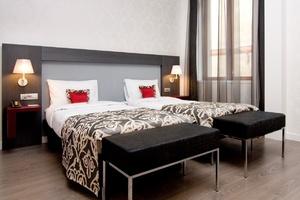 Hotel Palazzo Zichy bedroom