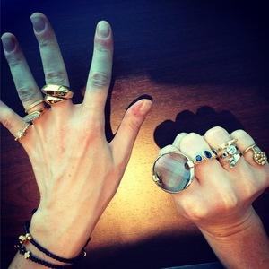 Ellie Goulding's rings, Warsaw, Instagram, 15 July