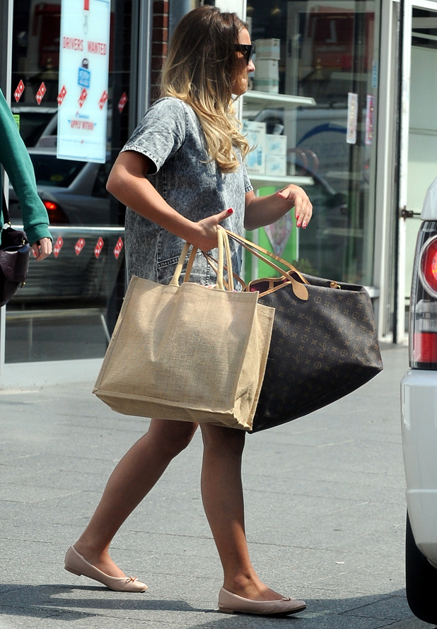Sam Faiers out shopping in Essex after sister Billie gives birth to baby girl, 15 July 2014