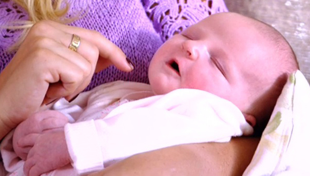 TOWIE: Billie Faiers' newborn baby daughter makes debut on ITV2 show, episode aired 20 July 2014