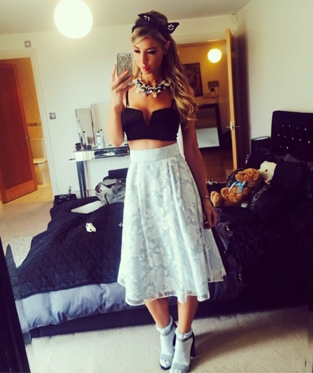 Lauren Pope wears a 1950s-inspired outfit before heading to a Grease-themed TOWIE party in Kent - 27 July 2014