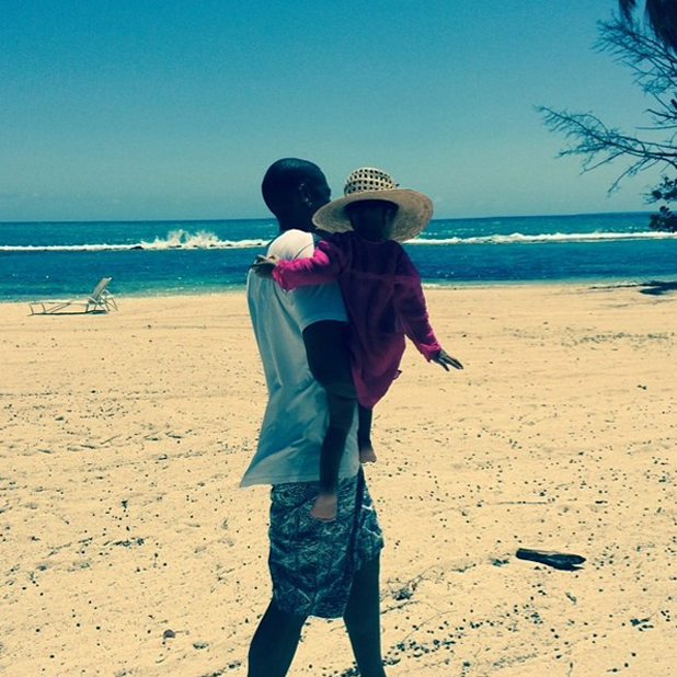 Beyonce shares photo of Jay Z and Blue Ivy amid reports of a possible split, 29 July 2014