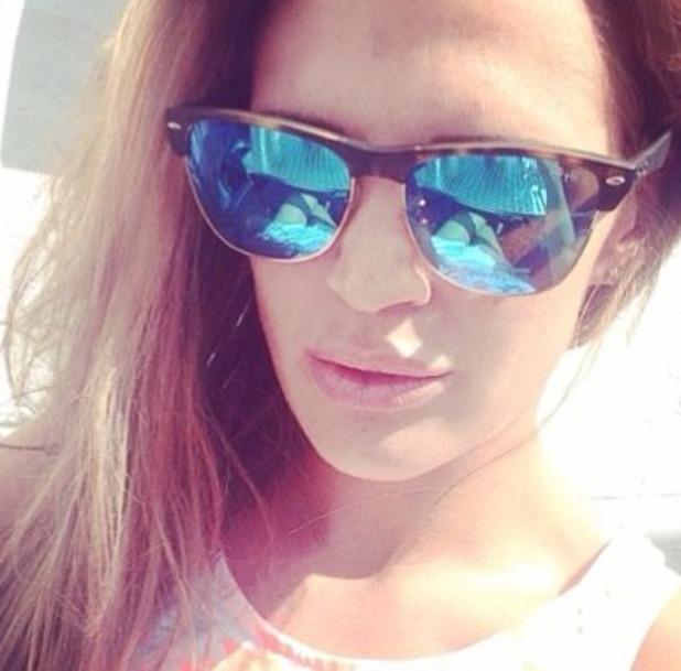 Danielle Lloyd changes Twitter profile to a selfie, Aug 2014.