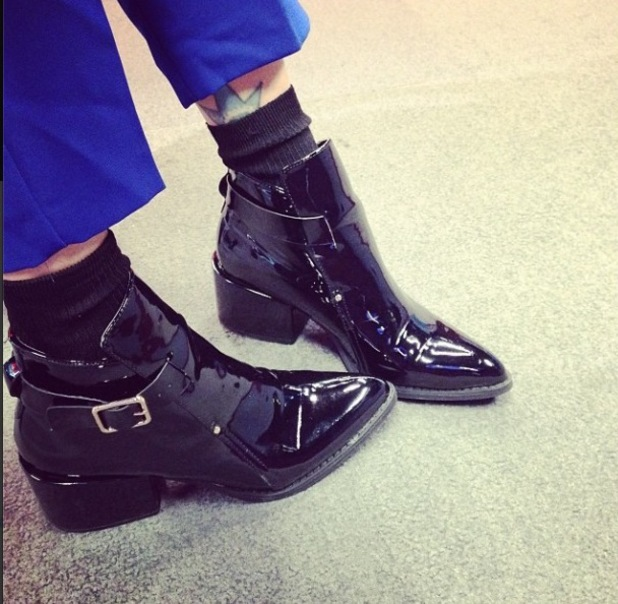 Fearne Cotton shows off boots on Instagram, 14/8/14