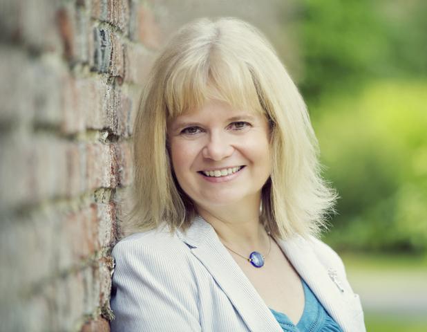 Sarah Morgan, author of Suddenly Last Summer, 2014