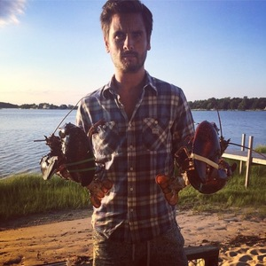 Scott Disick catches lobster in The Hamptons - 16 August 2014
