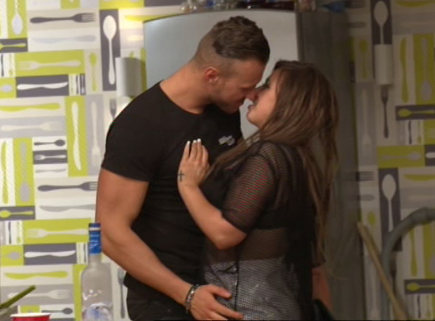 Holly Hagan and Kyle Christie kiss, Geordie Shore, MTV 26 August