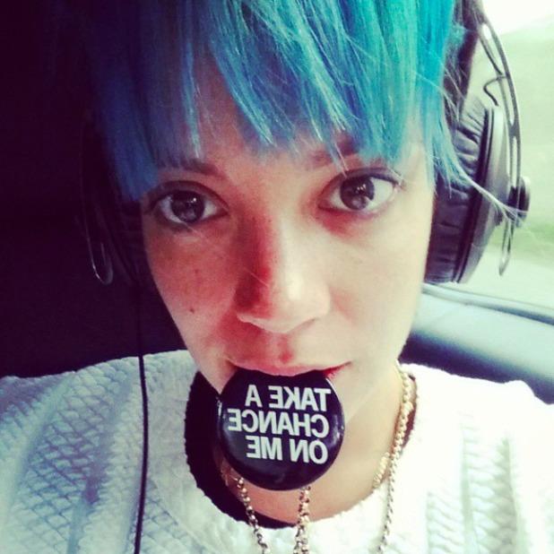 Lily Allen shows off blue hair in Instagram selfie, 30 August 2014