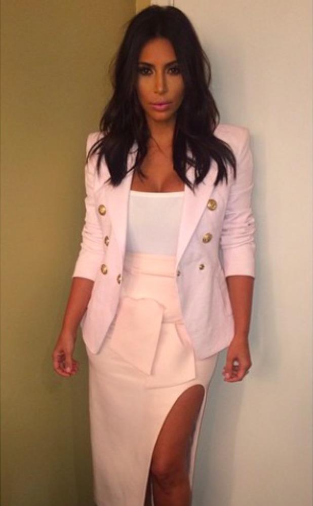 Kim Kardashian shows off shorter hair cut in new Instagram photo, 31 August 2014