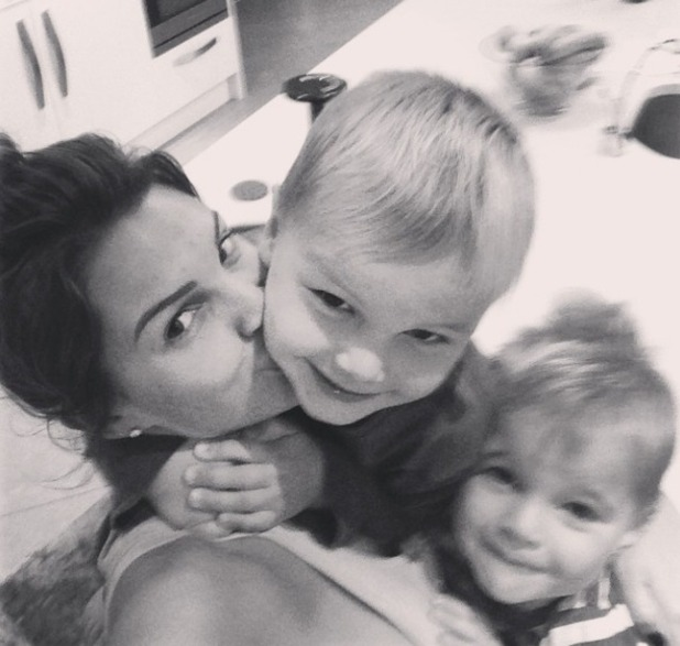 Danielle Lloyd selfie with kids, 7.9.14