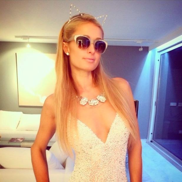 Paris Hilton looks cute in kitten ears hair band, 5 September 2015