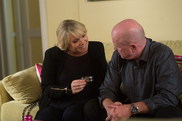 EastEnders, Sharon buys Phil a gift, Thu 11 Sep
