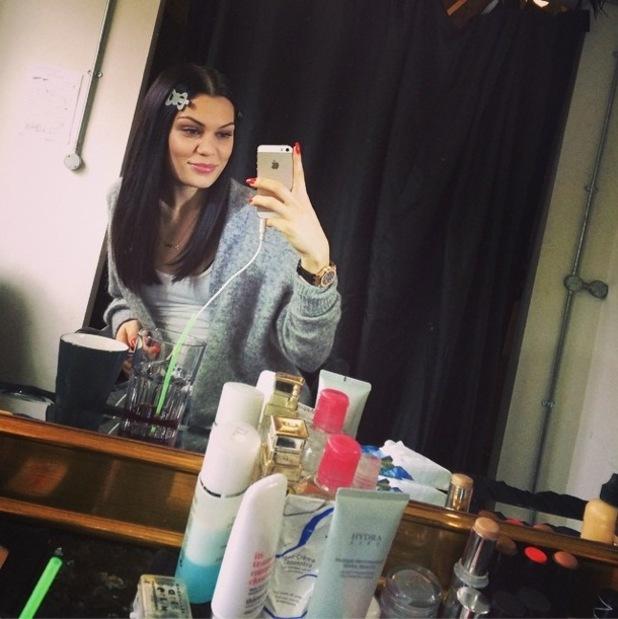Jessie J reveals her skincare products in an Instagram mirror selfie - 11 September 2014