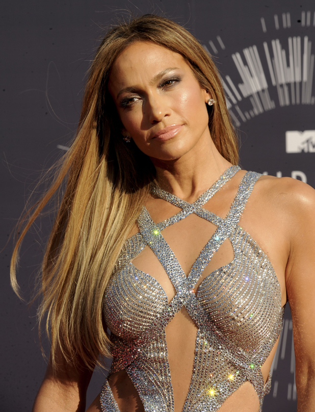 Jennifer Lopez at the 2014 MTV Video Music Awards arrivals, August 2014