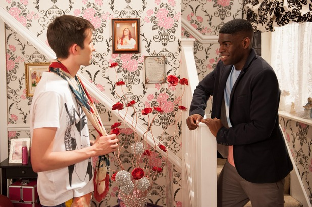 Hollyoaks, Vincent returns, Thu 18 Sep