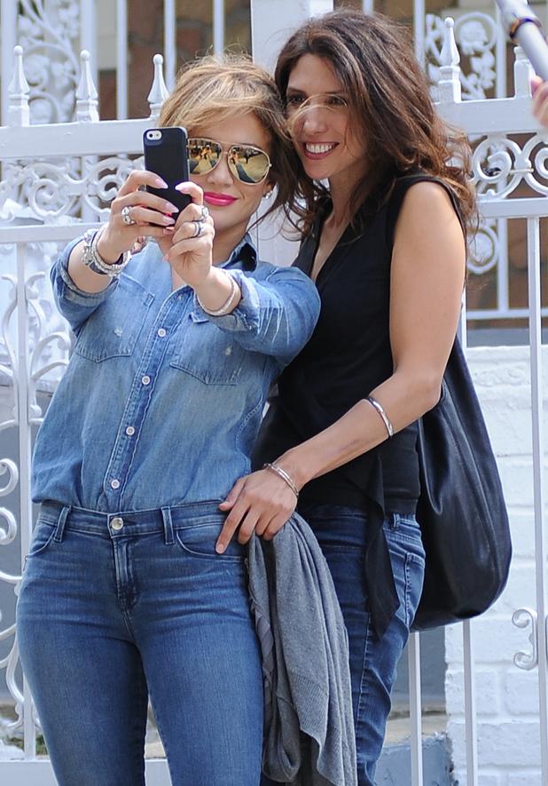Jennifer Lopez visits her old childhood home in New York, America - 18 Sep 2014
