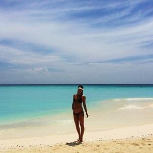 Example and Erin McNaught enjoy babymoon in Maldives 20 September