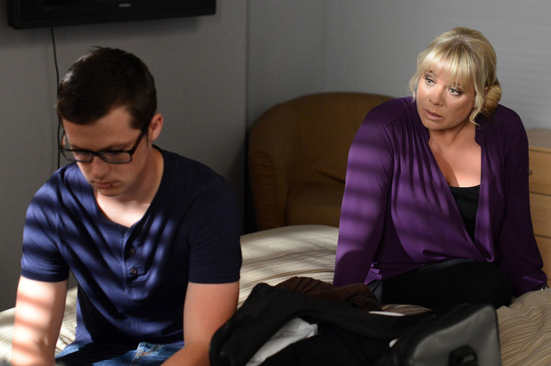EastEnders, Sharon bonds with Ben, Thu 25 Sep