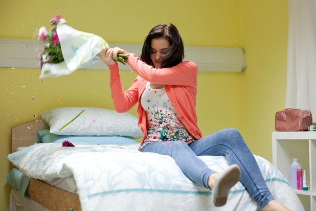 Hollyoaks, Cindy flips out, Wed 22 Sep