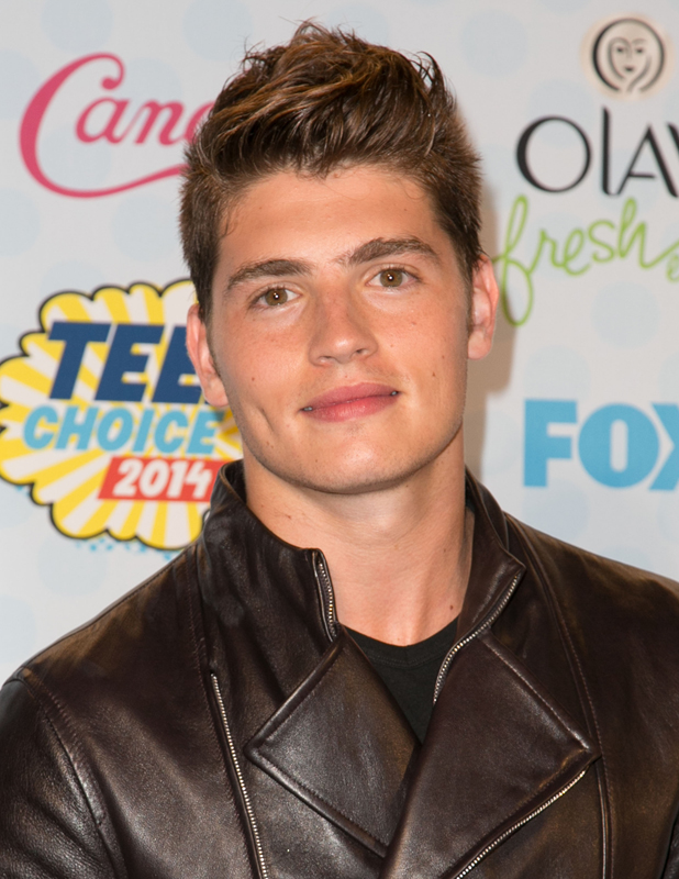 Gregg Sulkin attends the 2014 Teen Choice Awards at The Shrine Auditorium - Press Room, 2014