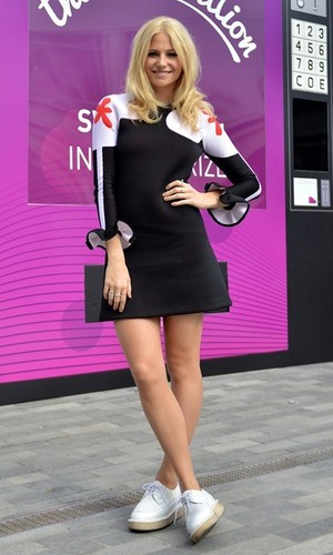 Pixie Lott performs in Kingston High Street for Nectar Thank You Campaign, Greater London 2 October