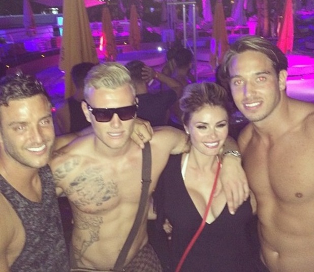 Chloe Sims parties with James Lock, Elliott Wright and Tommy Mallet in Ibiza, Spain 30 September