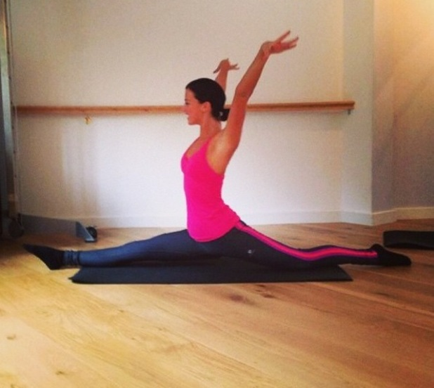 Lucy Mecklenburgh masters the splits 29 September