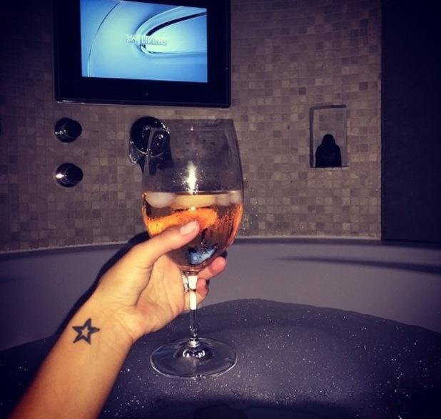Frankie Bridge shares photo of bubble bath 30 September