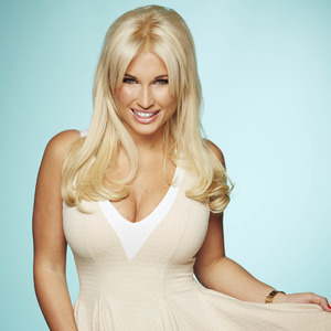 TOWIE's Billie Faiers promo photo - series 13.