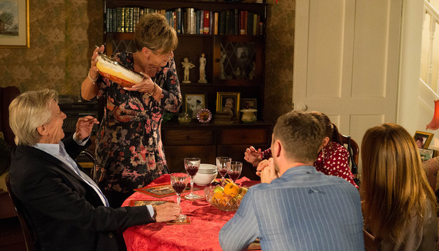 Corrie, Deirdre loses it, Wed 8 Oct