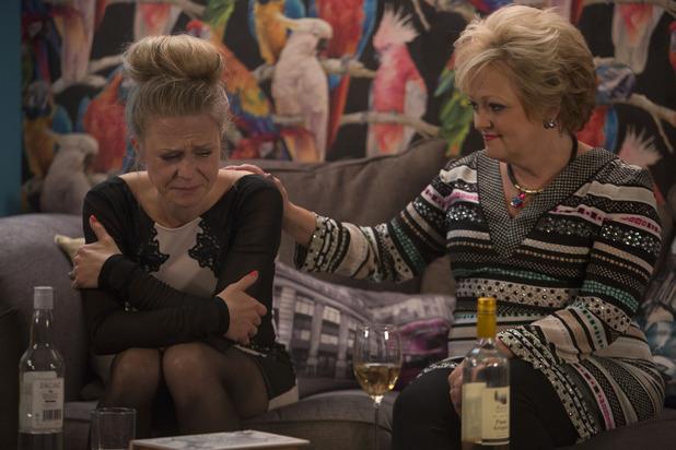 EastEnders, will Linda confide in Elaine? Fri 17 Oct