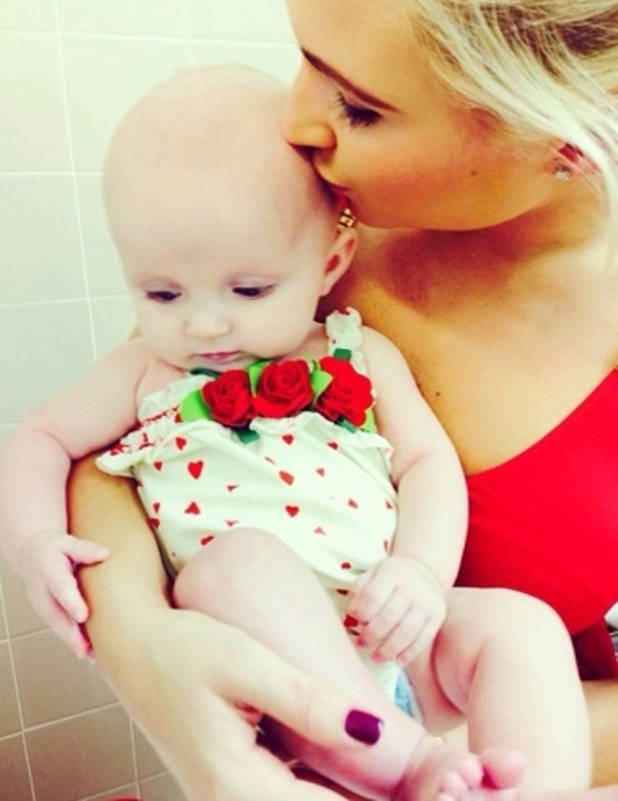 Billie Faiers takes daughter Nelly swimming 17 October