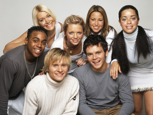 British pop group S Club 7, circa 2000. Clockwise from top left, Jo O'Meara, Hannah Spearritt, Rachel Stevens, Tina Barrett, Paul Cattermole, Jon Lee and Bradley McIntosh.