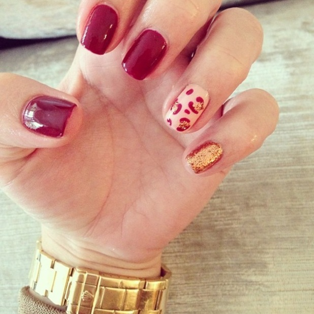 TOWIE's Billie Faiers shows off her gold glitter leopard print nail art manicure - 24 October 2014