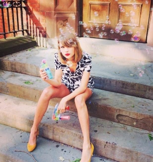 Taylor Swift in monochrome playsuit, Instagram, 21/10/14