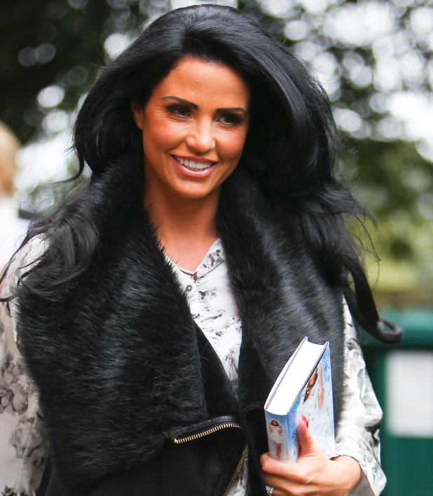 katie price isle of wifght  oct 17