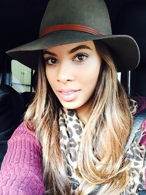 Rochelle Humes poses for a selfie in the back of a taxi, 23 October 2014