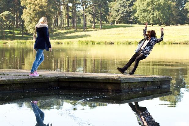 Hollyoaks, Cindy falls in the lake, Tue 4 Nov