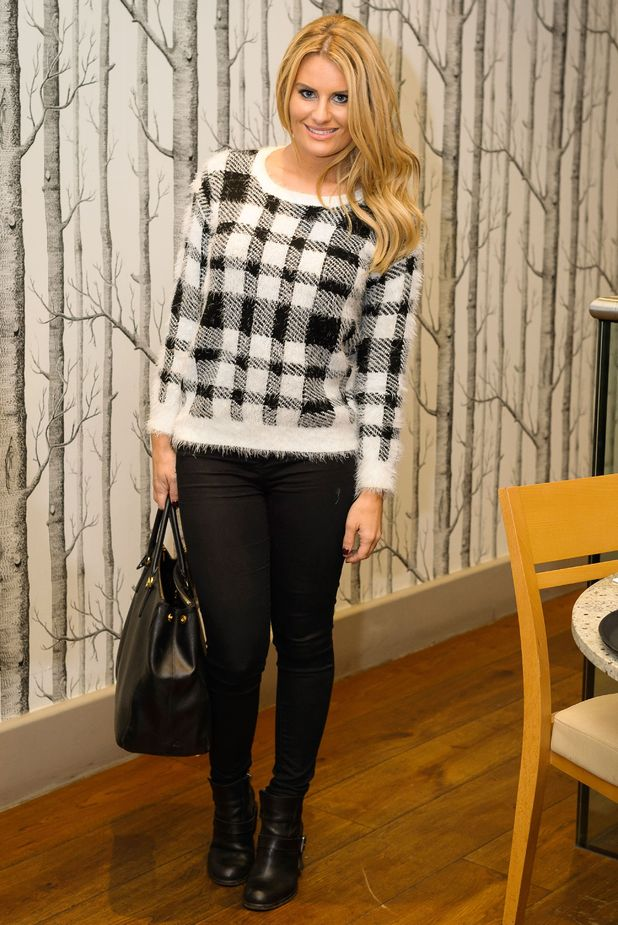 Danielle Armstrong films scenes for TOWIE at a restaurant in Essex - 2 November 2014