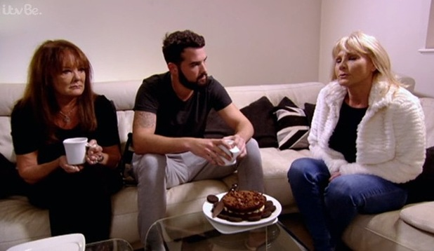 Jan Rayment and Ricky Rayment chat about his Jessica Wright split on TOWIE - 10 November 2014