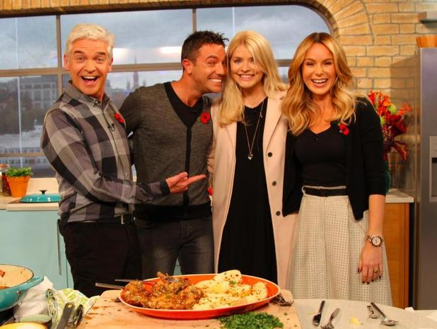 Holly Willoughby makes surprise return to This Morning  - 10 November.
