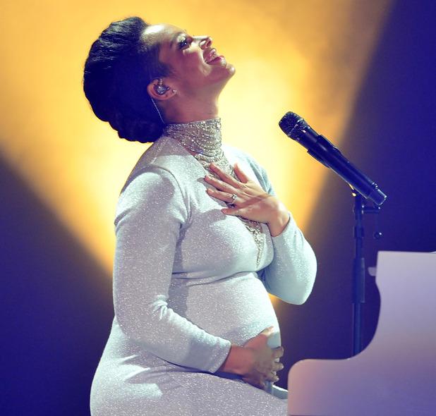 Alicia Keys performs at MTV EMAs, Glasgow 9 November