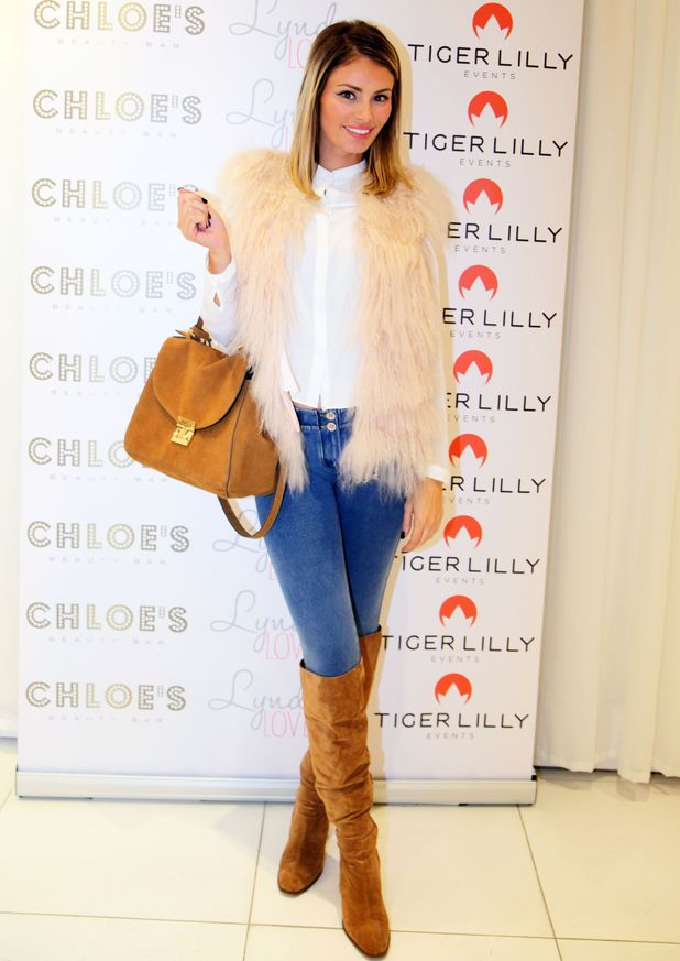 Chloe Sims attends the Lyndsey Loves launch at Chloe's Beauty Bar, Brentwood, Essex - 20 November 2014
