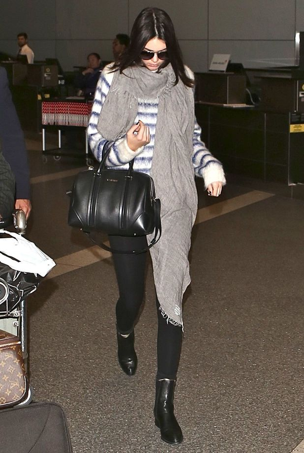 Kendall Jenner arrives at Los Angeles International Airport - America - 15 November 2014