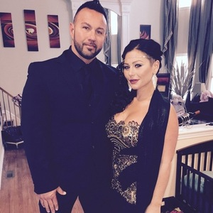 JWoww and fiancé Roger on date night - 22 November 2014.