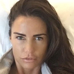 Katie Price tells fans she's feeling great after surgery 27 November